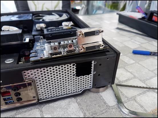 http://www.l3p.nl/files/Hardware/SteigerWood/Buildlog/132%20%5b550xl3pw%5d.JPG