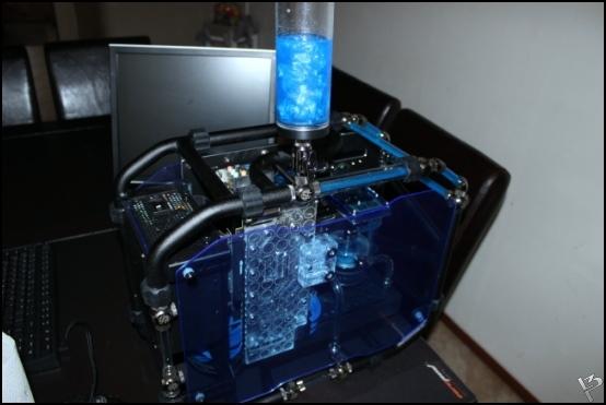 http://www.l3p.nl/files/Hardware/L3peau/Buildlog/179%20%5b550xl3pw%5d.JPG