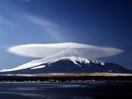 http://sken.be/images/blog/2006.10.04-wolken-05.jpg