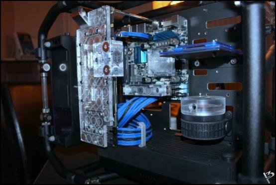 http://www.l3p.nl/files/Hardware/L3peau/Buildlog/138%20%5b550xl3pw%5d.JPG