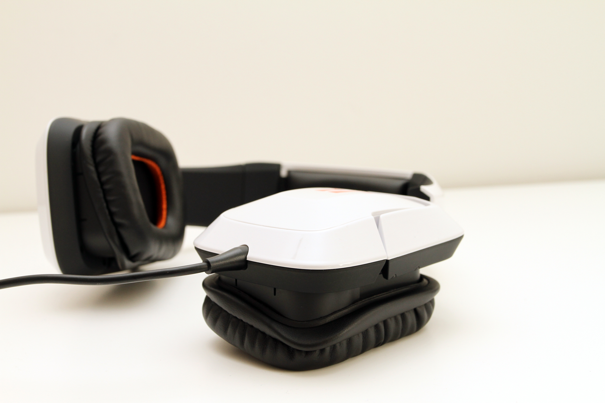 http://www.ereviews.dk/wp-content/uploads/tritton-720plus_04.jpg