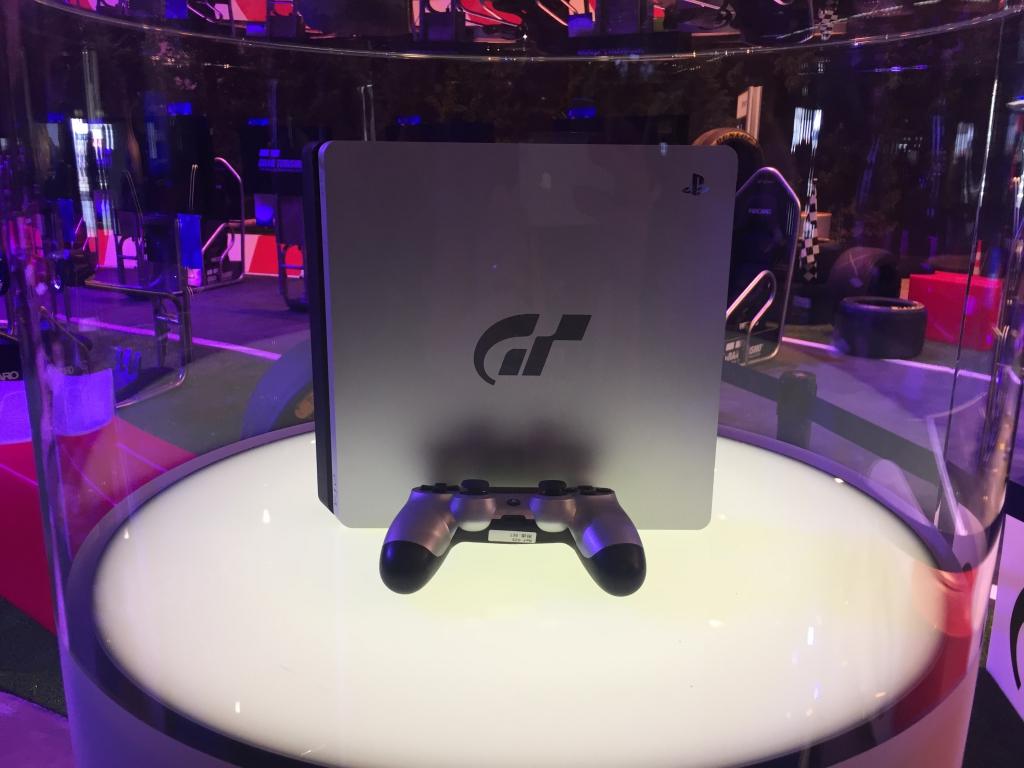 http://gthq.nl/images/stories/gamescom2017/IMG_1306.JPG