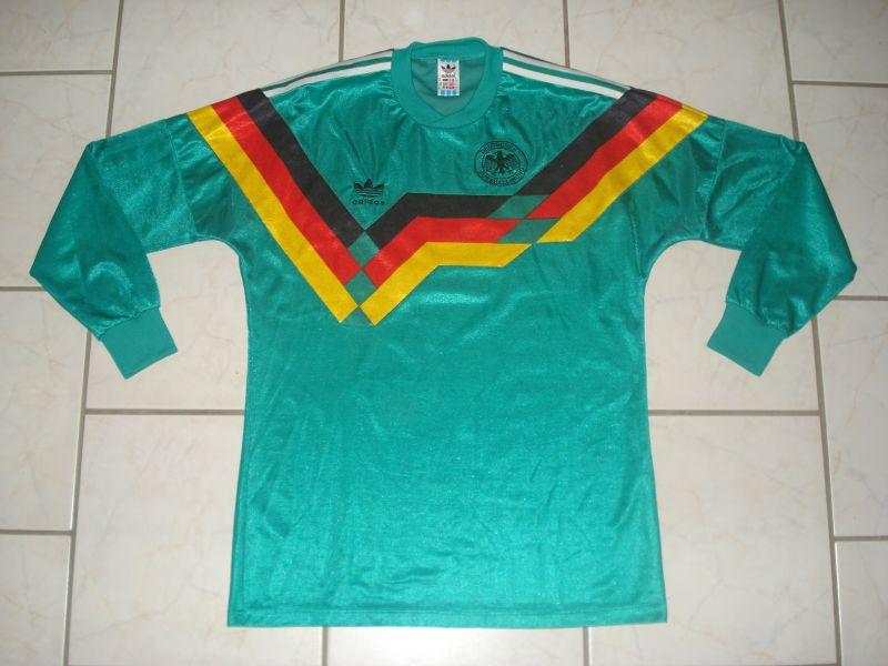 http://www.oldfootballshirts.com/img/shirts/271/extra_football_shirt_9461_1.jpg