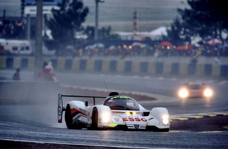 http://www.sportscar-racing.thesaxbys.co.uk/pug1.jpg