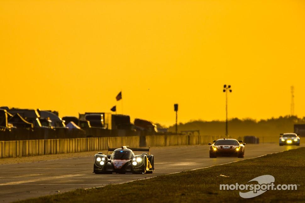 http://cdn-2.motorsport.com/static/img/mgl/1500000/1520000/1521000/1521600/1521672/s1_1.jpg