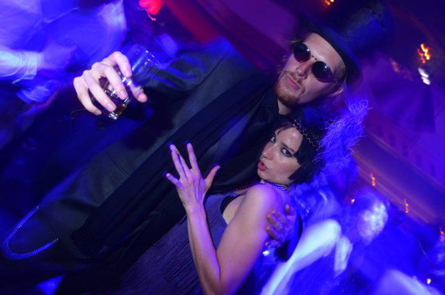 http://thehospages.com/pictures/2011-parties/2011-05-21-bootleg-panama/thumb3/image30.jpg