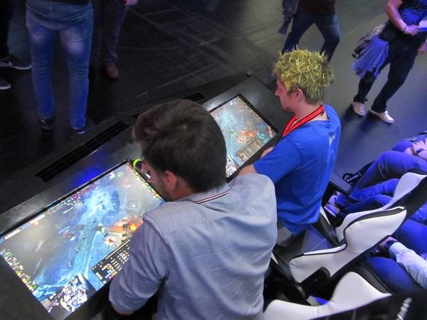 http://www.techtesters.eu/pic/BLOG-PIM/Gamescom2015-Random/IMG_5828.JPG