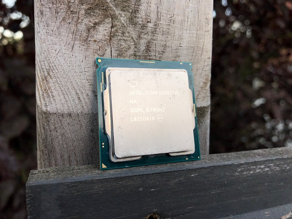 http://techgaming.nl/image_uploads/reviews/Intel-Core-i5-9600k/9600K%20(8).JPG