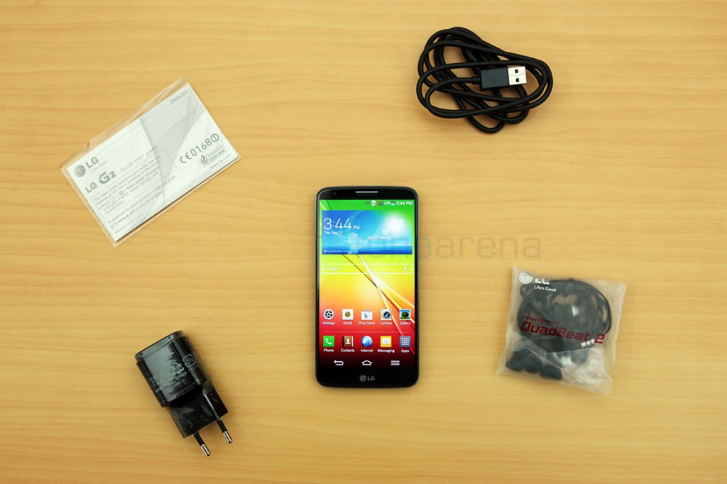 http://images.fonearena.com/blog/wp-content/uploads/2013/09/LG-G2-Unboxing-9-1024x682.jpg