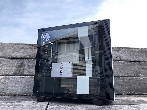 http://techgaming.nl/image_uploads/reviews/NZXT-H400i/bestand%20(4).JPG