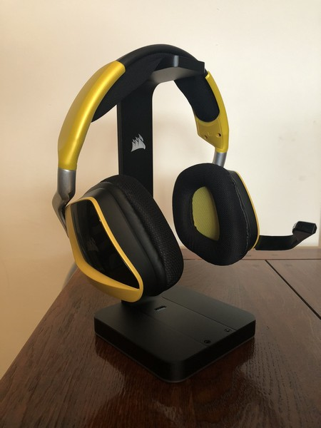 http://www.nl0dutchman.tv/reviews/corsair-mic-stand/2-22.jpg
