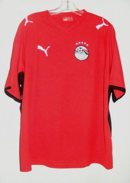 http://www.oldfootballshirts.com/img/shirts/904/egypt-home-football-shirt-2002-2004-s_11641_1.jpg