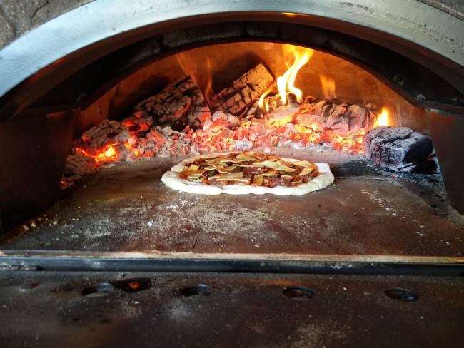 http://www.mpsoft.nl/Mattijs/Steenoven/5-6/Pizza%205-6%20(4).jpg