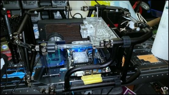 http://www.l3p.nl/files/Hardware/L3peau/Buildlog/100%20%5b550xl3pw%5d.JPG