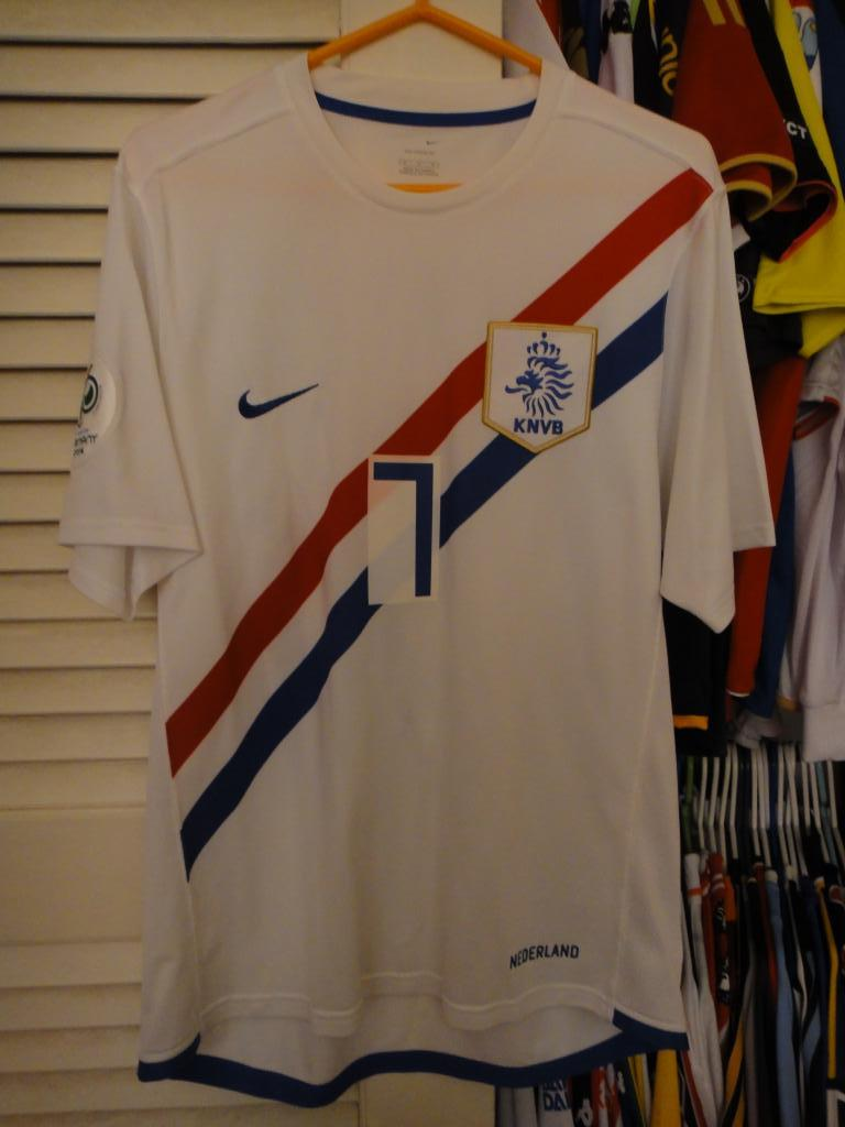http://www.oldfootballshirts.com/img/shirts/295/extra_football_shirt_5524_1.jpg