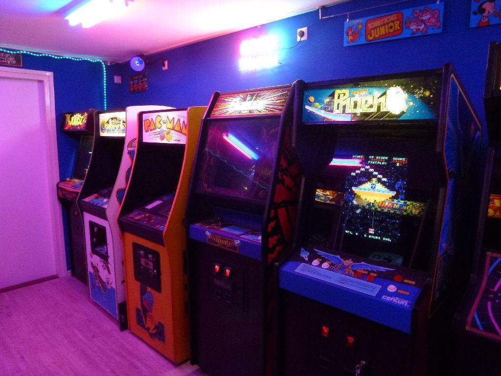 https://i50.photobucket.com/albums/f307/ckong65/Gameroom/Gameroom%20Final/P1040618_zps99cb1733.jpg
