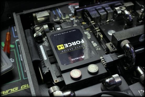 http://www.l3p.nl/files/Hardware/SteigerWood/Buildlog/125%20%5b550xl3pw%5d.JPG