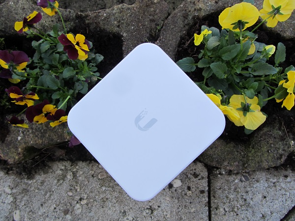 http://techgaming.nl/image_uploads/reviews/Ubiquiti-AmpliFi-HD/IMG_0693.JPG