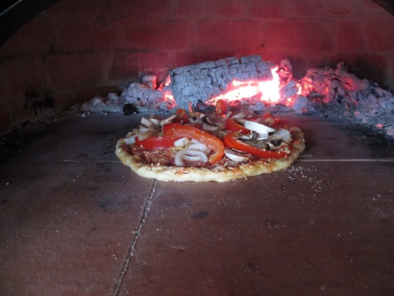 http://www.mpsoft.nl/Mattijs/Steenoven/Pizza%20(5).JPG