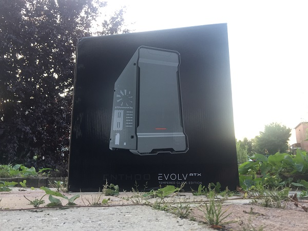 http://techgaming.nl/image_uploads/reviews/Phanteks-Evolv-ATX/Bestand%20(1).JPG