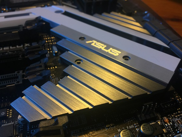 http://techgaming.nl/image_uploads/reviews/Asus-X299-Deluxe/m2%20(1).jpeg