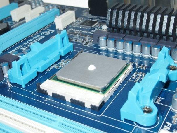 http://zapp5.staticworld.net/images/article/2011/12/amd-tim-6653419.jpg