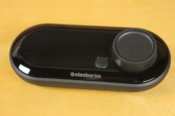 http://www.rooieduvel.nl/reviews/Steelseries/Arctis_Pro_Game/Pics/IMG_8001.JPG