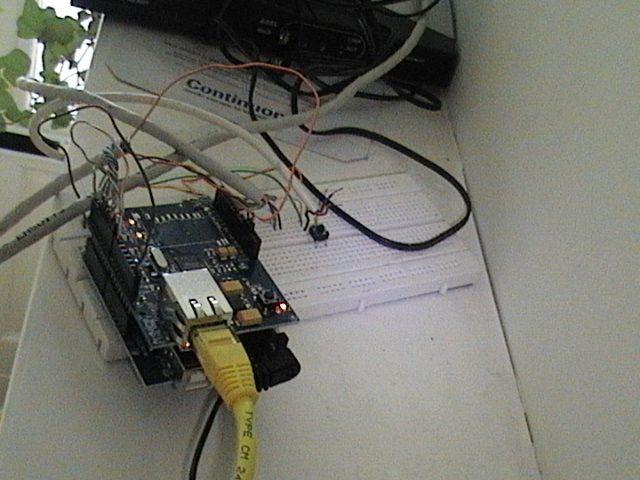 http://www.cs.vu.nl/~mcaklein/solar/images/arduinoboard.jpg