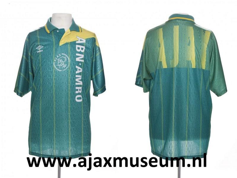 http://www.ajaxmuseum.nl/wp-content/uploads/2012/02/ajax_1991_1993_A.jpg