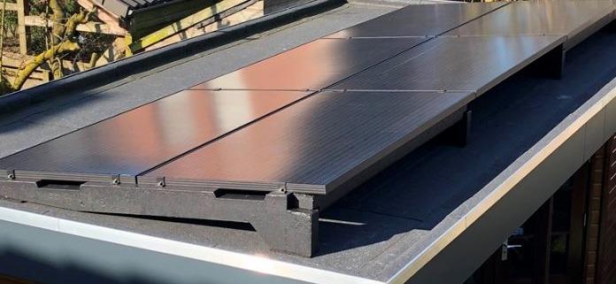 http://www.sun-solar.nl/wp-content/uploads/2018/02/dual-betonvoeten-7-graden-met-335Wp-panelen-696x321.jpg