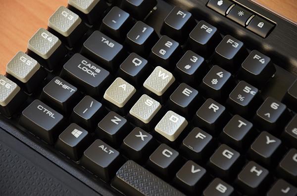 http://www.techtesters.eu/pic/CORSAIRK95RGBPLATINUM/438.jpg