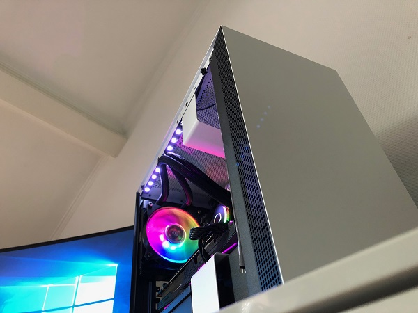 http://techgaming.nl/image_uploads/reviews/CM-MasterLiquid-ML120R-RGB/bestand%20(29).JPG