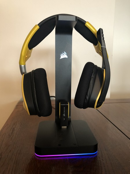http://www.nl0dutchman.tv/reviews/corsair-mic-stand/2-24.jpg