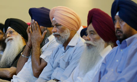 http://static.guim.co.uk/sys-images/Guardian/Pix/pictures/2012/8/6/1344292301762/Members-of-Sikh-temple-in-008.jpg