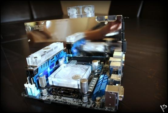 http://www.l3p.nl/files/Hardware/L3peau/Buildlog/81%20%5b550xl3pw%5d.JPG