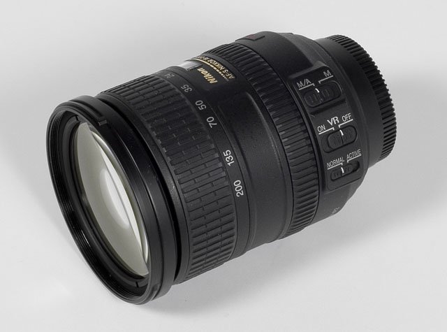 http://www.photozone.de/images/8Reviews/lenses/nikkor_18200_3556vr/lens2.jpg