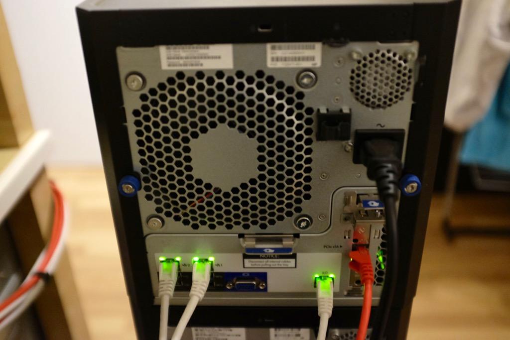 http://louwrentius.com/static/images/cephcluster02.jpg