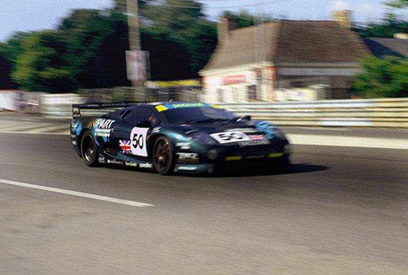http://www.sportscar-racing.thesaxbys.co.uk/xj220.jpg