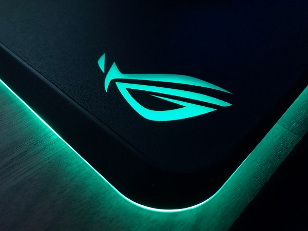 http://techgaming.nl/image_uploads/reviews/Asus-ROG-Gladius-Balteus/led%20(3).JPG