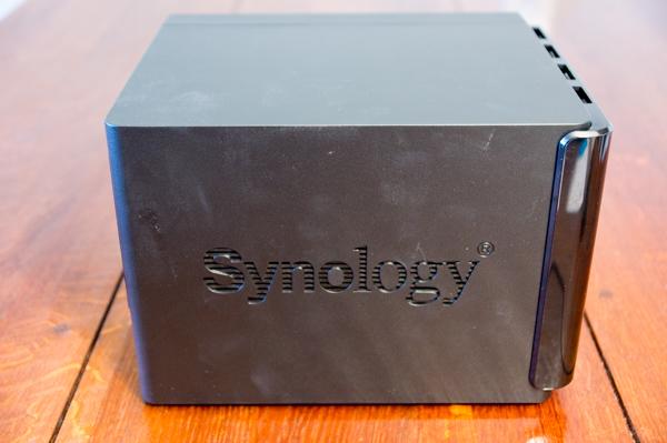 http://www.nl0dutchman.tv/reviews/synology-416play/1-16.jpg