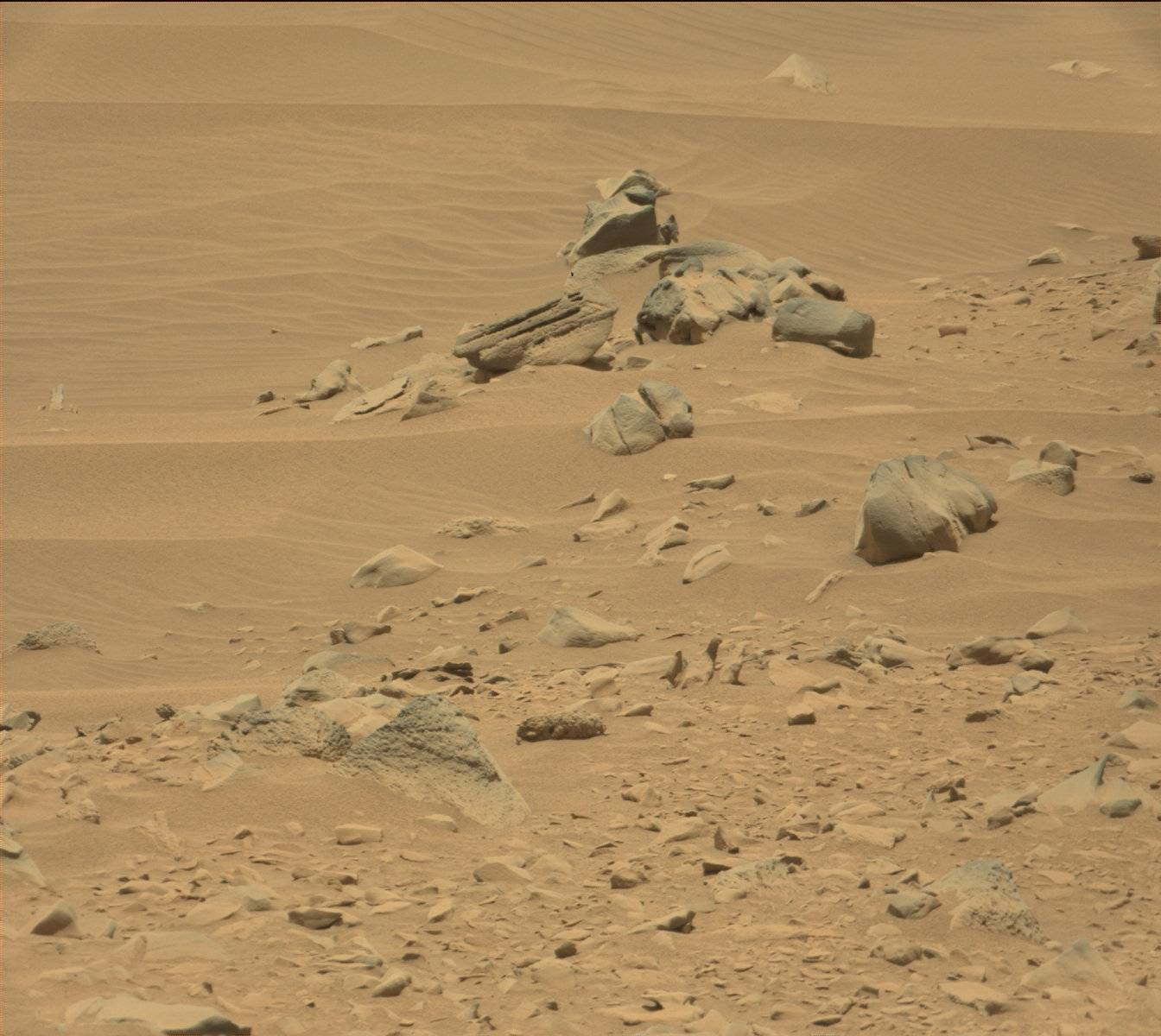 http://mars.jpl.nasa.gov/msl-raw-images/msss/00735/mcam/0735MR0031500320403107E01_DXXX.jpg