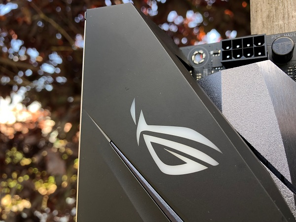 http://techgaming.nl/image_uploads/reviews/Asus-ROG-B450-F-Gaming/Strix-B450-F-Gaming (10).JPG