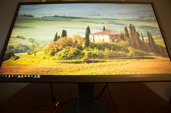 http://www.nl0dutchman.tv/reviews/eizo-foris-fs2735/2-128.jpg
