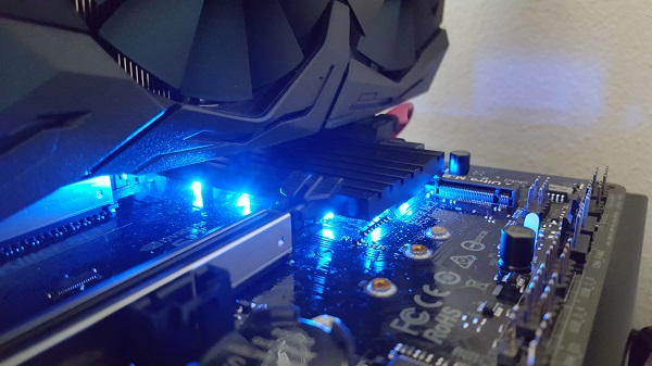 http://techgaming.nl/image_uploads/reviews/ASRock-Z370-Killer-SLI/led%20(1).jpg