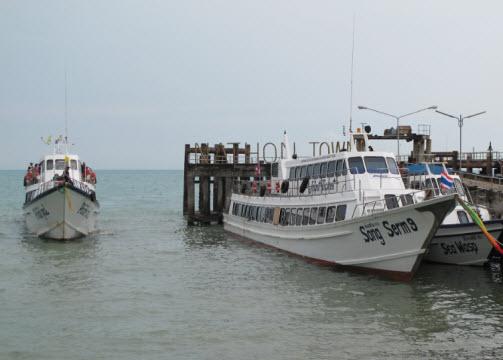 http://www.uploadarchief.net/files/download/kohsamui_hatyai_songserm_ferry.jpg