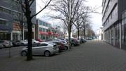 http://s19.postimage.org/k3je2p9hr/Buiten_auto.jpg