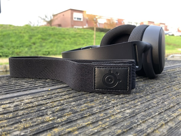 http://techgaming.nl/image_uploads/reviews/Steelseries-Arctis-Pro-Wireless/bestand%20(21).JPG