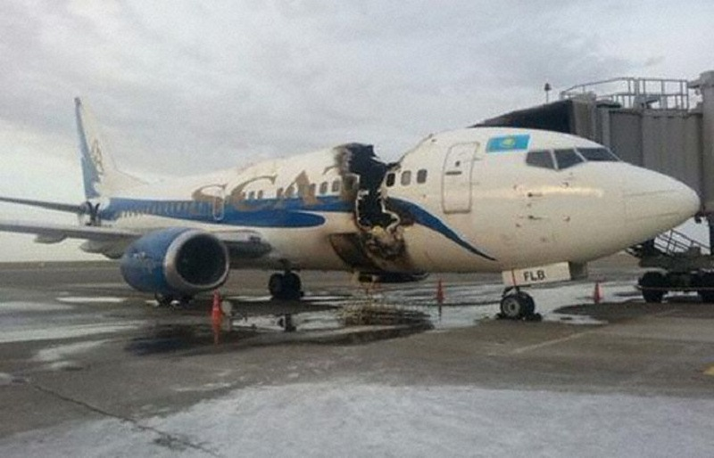 http://newsavia.com/wp-content/uploads/2015/06/Boeing-737_300_ly-flb_aktau_-Informburo-16jun2015-900px.jpg