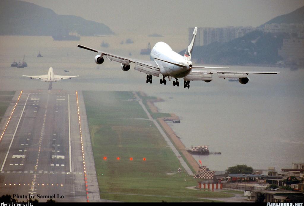 http://cdn-www.airliners.net/photos/airliners/7/7/0/0099077.jpg?v=v40