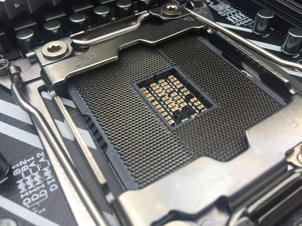 http://techgaming.nl/image_uploads/reviews/Asus-X299-Deluxe/Bestand%20(13).JPG